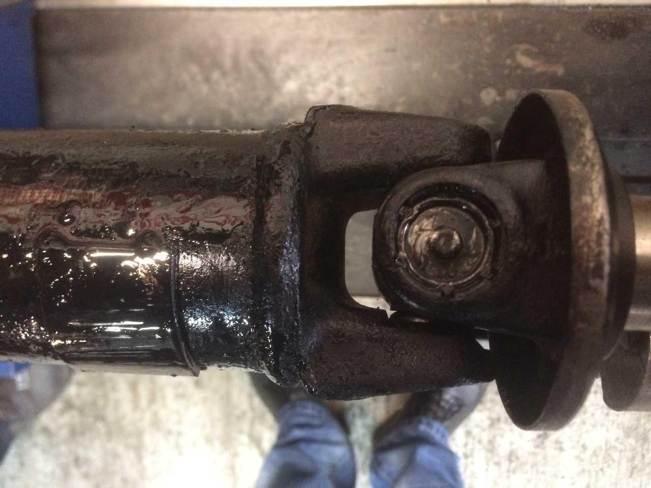 Ремонт 3-х опорного карданного вала автомобиля Nissan Skyline