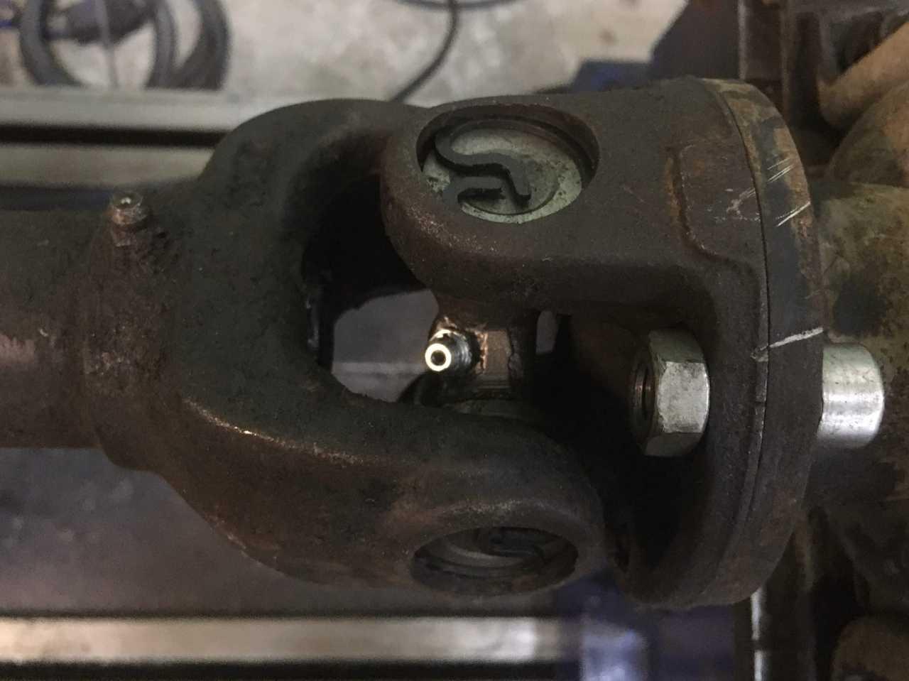 Ремонт 3-х опорного карданного вала автомобиля Nissan Cabstar