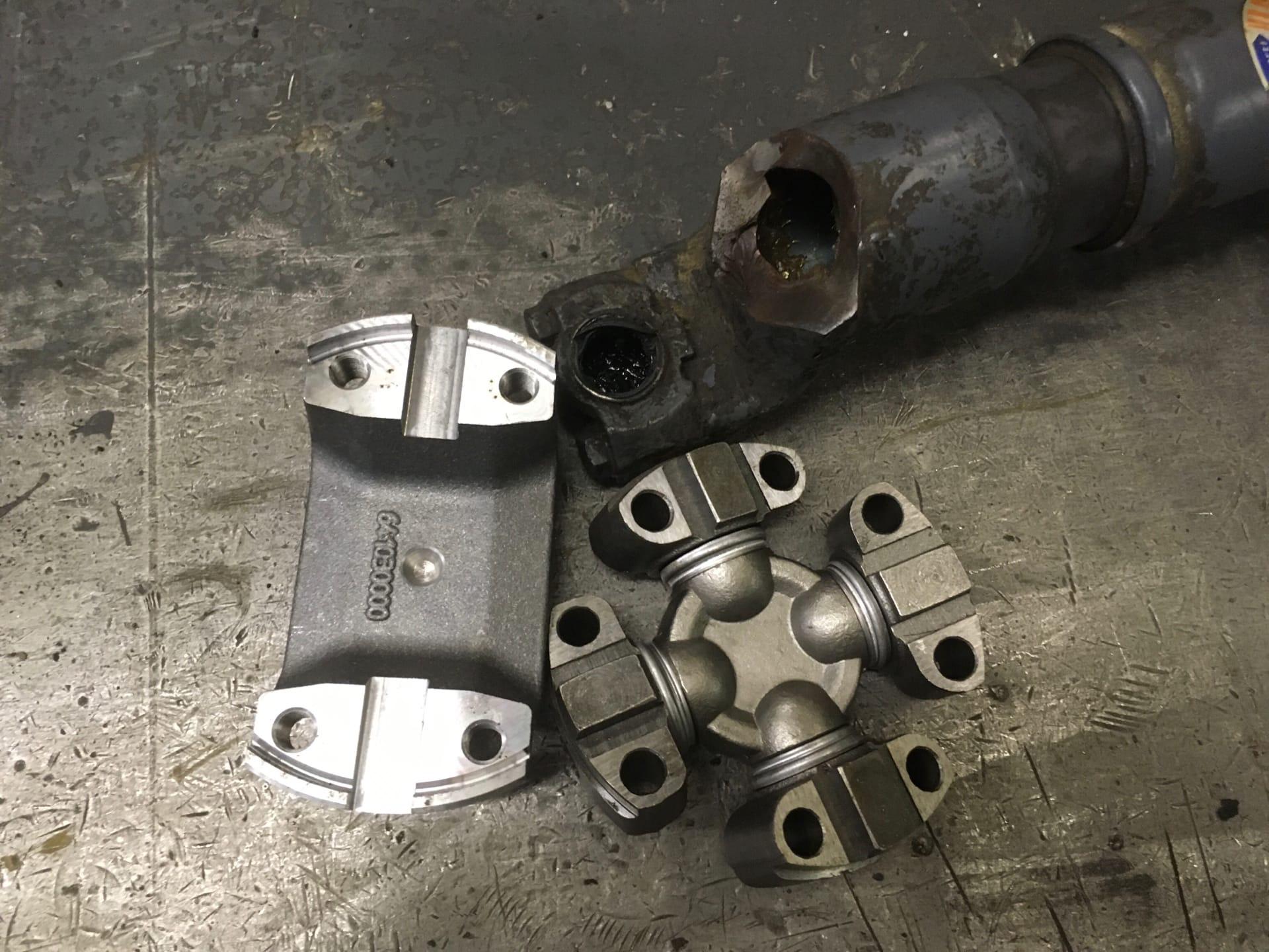 Ремонт 2-х опорного карданного вала от Автогрейдера